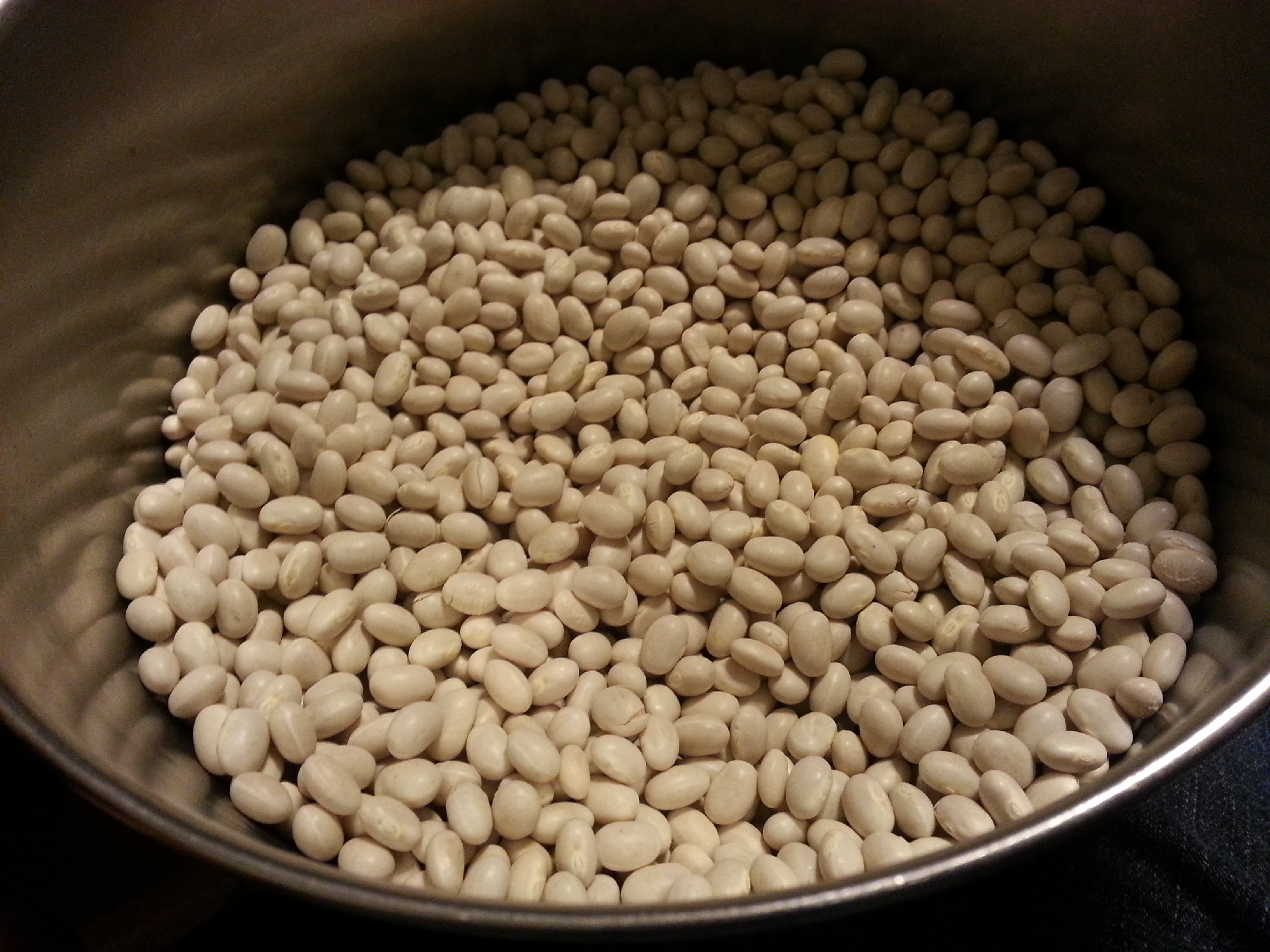 Dry Beans in a pot waiting to be rinsed.