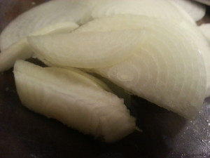 Onion was sliced thinly