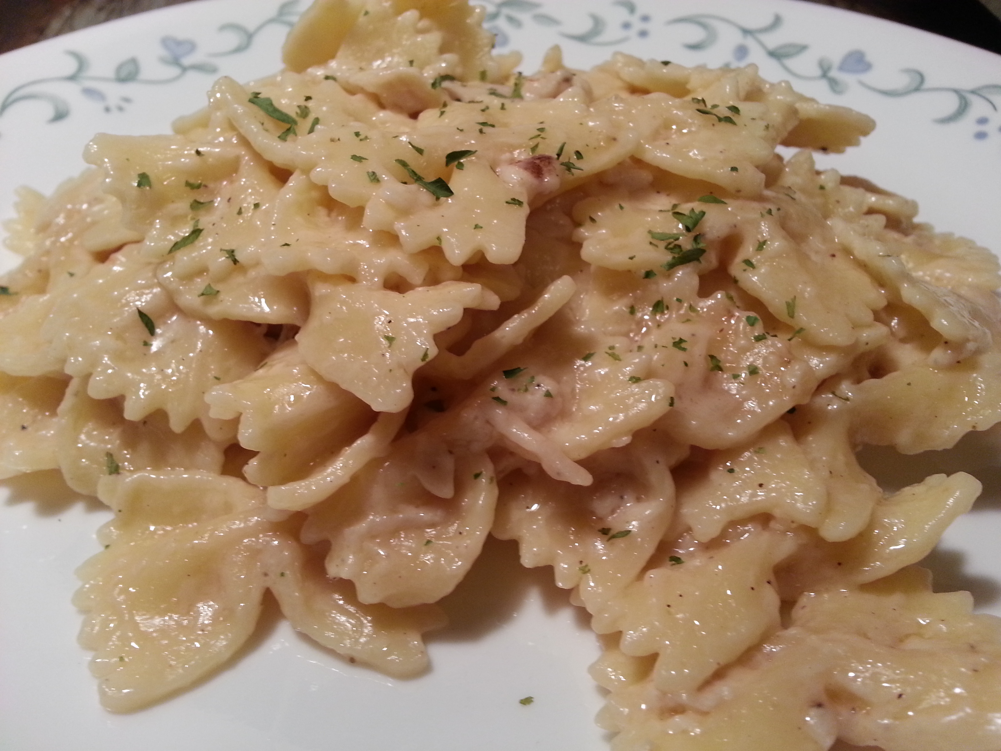 Pressure Cooker Chicken Alfredo With Farfalle Bow Ties Patty