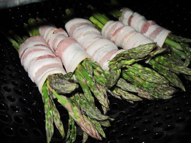 Bacon wrapped asparagus 5