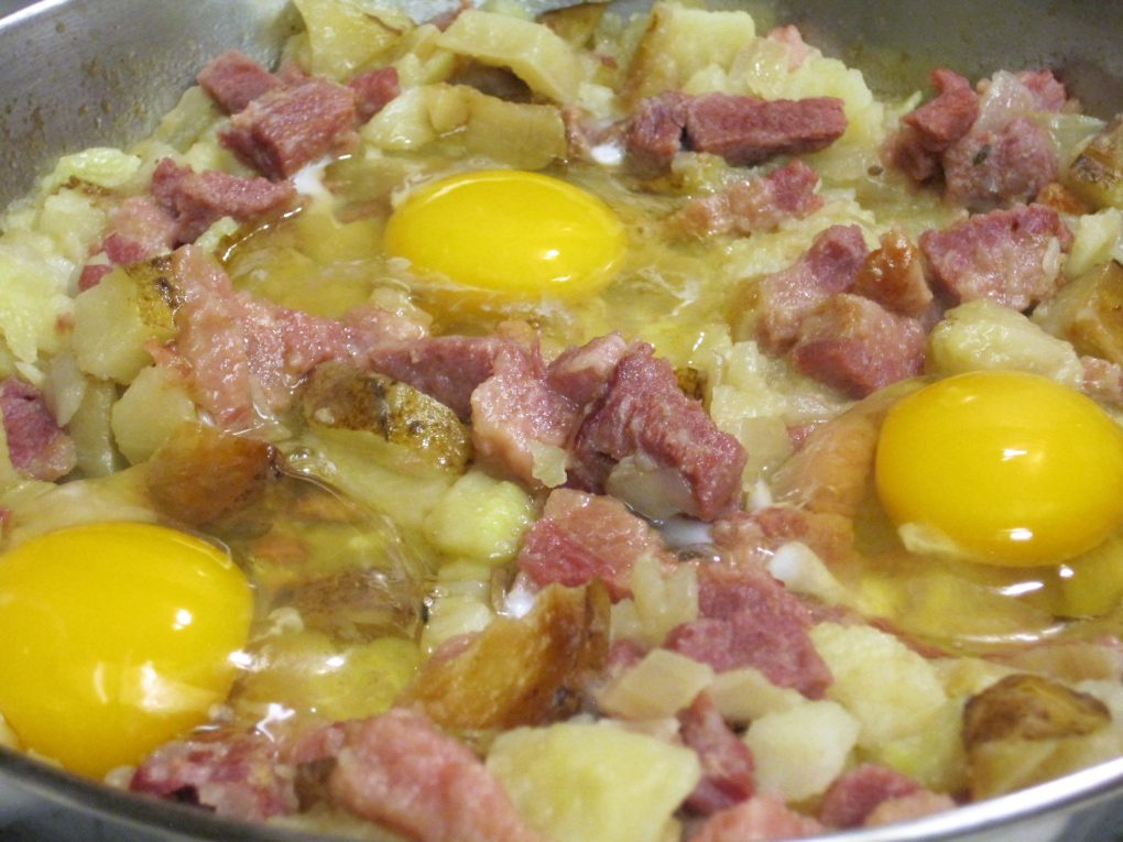 Corned beef hash with eggs
