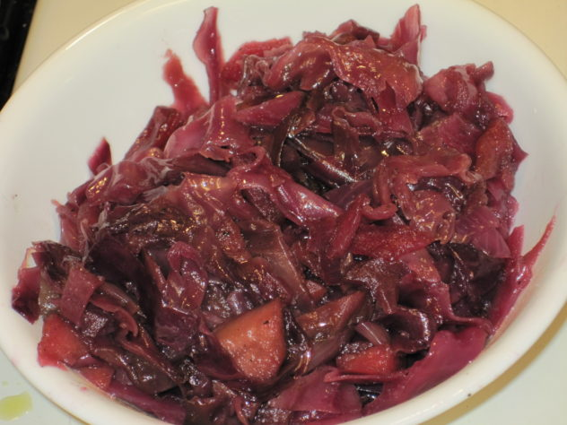 Slow Cooker Red Cabbage and Apples